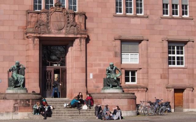 University 686150 1920