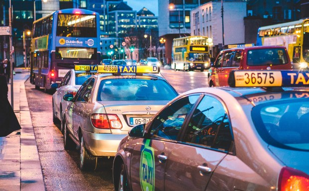 IA y big data para predecir dónde estarán los clientes: así quiere ayudar Toyota a los taxistas