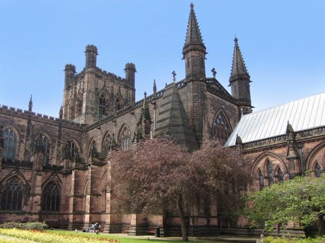 La catedral de Chester alberga una pintura única elaborada sobre un lienzo hecho de telarañas