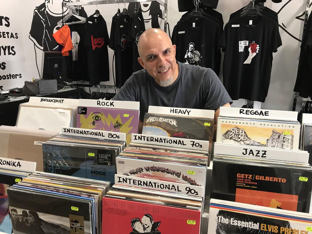 Tengo una tienda de discos desde hace 30 años: sobreviví a Napster, a iTunes y pienso hacerlo a Spotify
