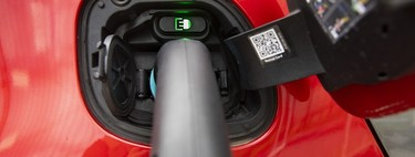 España tendrá más puntos de recarga ultrarrápida de 250 kW para coches eléctricos: el Gobierno elimina las trabas a su despliegue