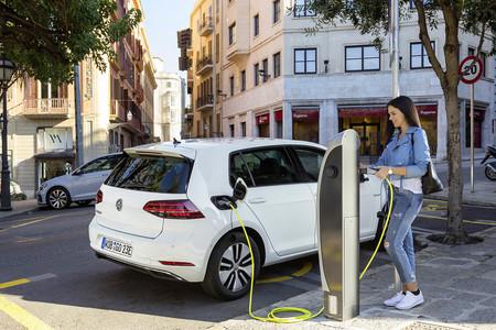 carga pública coche eléctrico