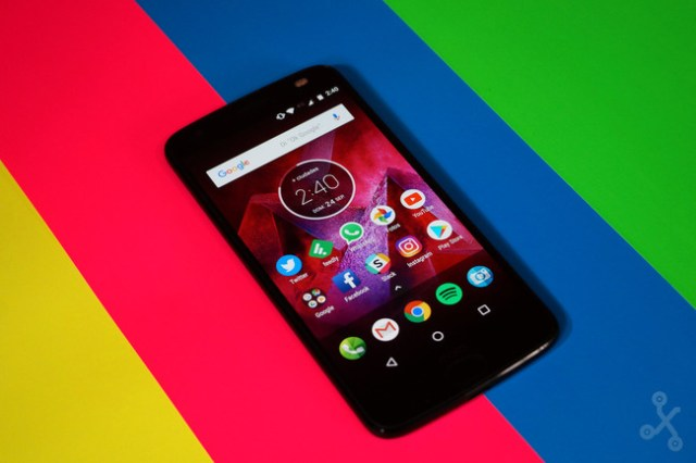 Moto Z2 Force se actualiza a Android Oreo