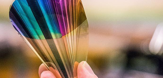 Han logrado crear un nuevo tipo de panel de tinta electrónica con brillo y colores equiparables a un LCD: la lástima es que sea carísimo