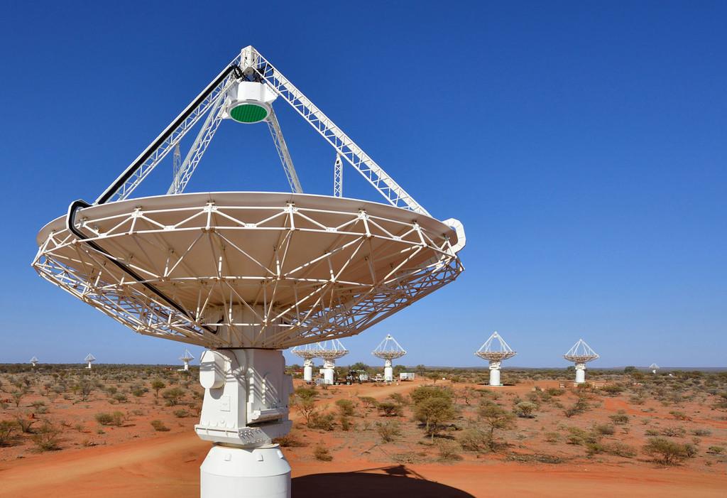 Detectan cuatro objetos en el espacio profundo nunca antes vistos: una especie de anillos gigantescos con borde brillante