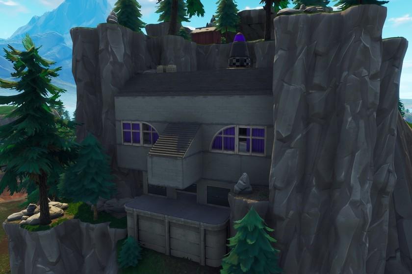 Desafío Fortnite: aterriza en una mansión de héroe abandonada y en una guarida de villano abandonada. Solución