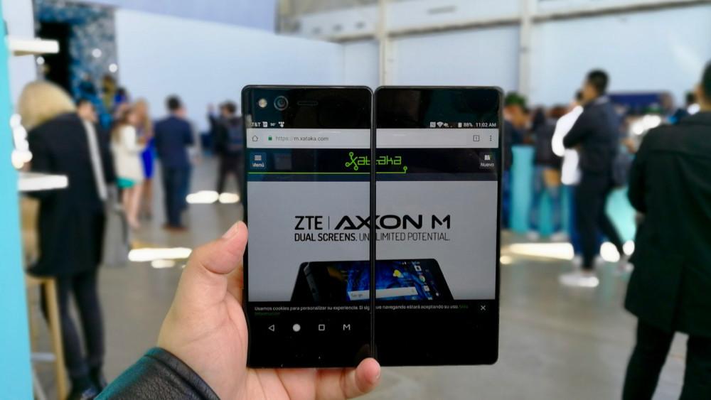 Permalink to Axon M, primeras impresiones: así es el smartphone plegable de doble pantalla de ZTE