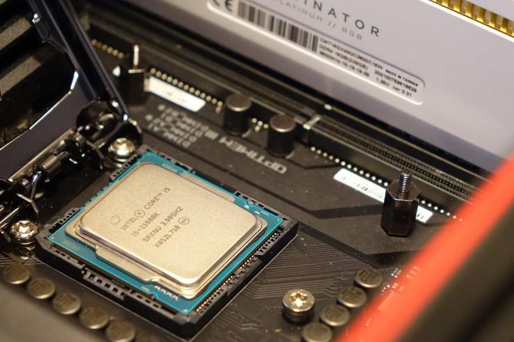 Intel Core i9-11900K y Core i5-11600K, análisis: batir a los anteriores procesadores Intel Core no es suficiente para imponerse a una AMD en estado de gracia