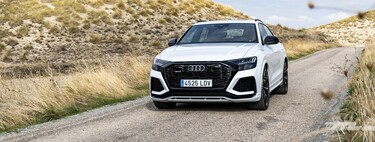 We tested the Audi RS Q8: a massive 600hp SUV with a lot of kick, too piano black and ECO label