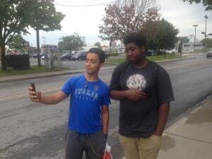 Malyk Bonnet selfie with a fan