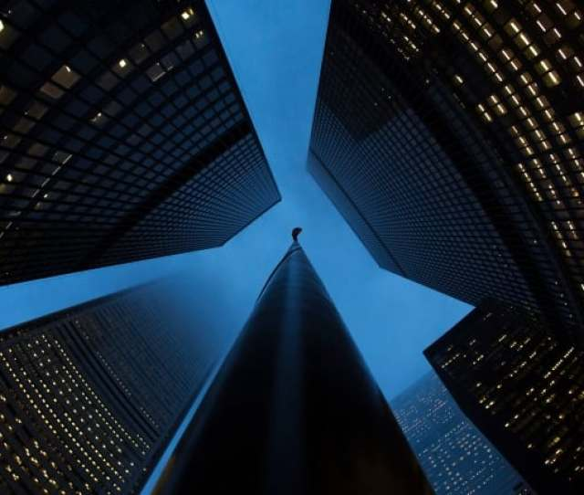 For The 2015 Fiscal Year As A Whole Canadas Six Banks Reported Total Earnings Of Almost 35 Billion With Royal Banks Record 10 Billion Profit Leading A