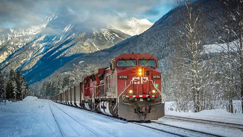 Does Canadian Pacific Railway's (NYSE: CP) PE Ratio Signal A Buying Opportunity?