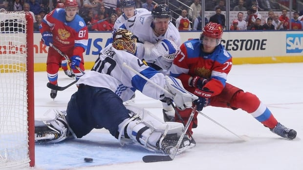 Russia will meet Canada in Saturday's semifinal after blanking Finland 3-0 at the World Cup of Hockey on Thursday.