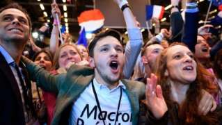 Macron, Le Pen qualify for 2nd round of France's presidential election