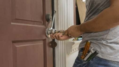 Homeowners who've called locksmiths they found online say they feel preyed upon by the first companies that showed up in Google.