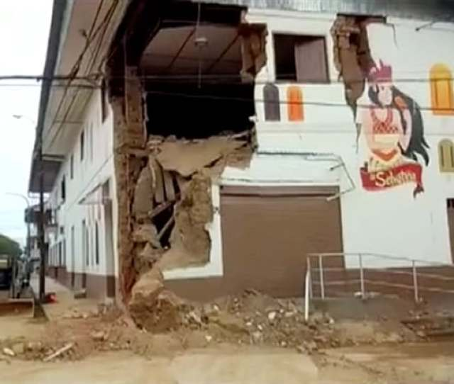 A Damaged Building Is Seen After An Earthquake Struck In Yurimaguas Peru America Tv Reuters Tv Via Reuters