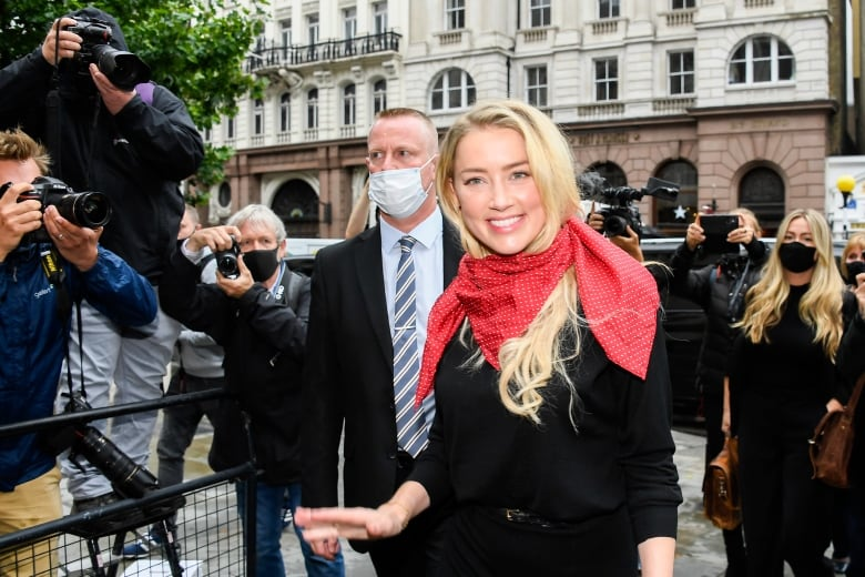 In UK court, Johnny Depp accuses Amber Heard of 'hoax' abuse claims 6