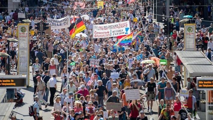 berlin protesters decry coronavirus measures; 600 detained   newsbytes