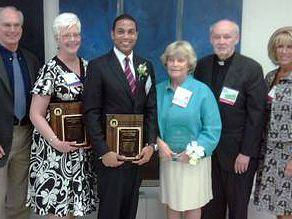 Don Lemon receives Alumni Distinguished Acheivement Award from Brooklyn College.
