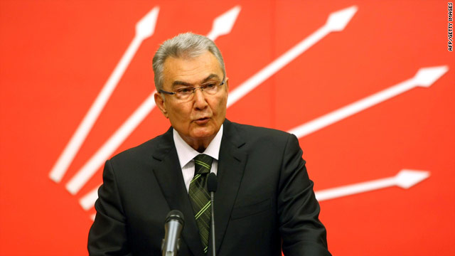Deniz Baykal blamed a government conspiracy for the videotape.