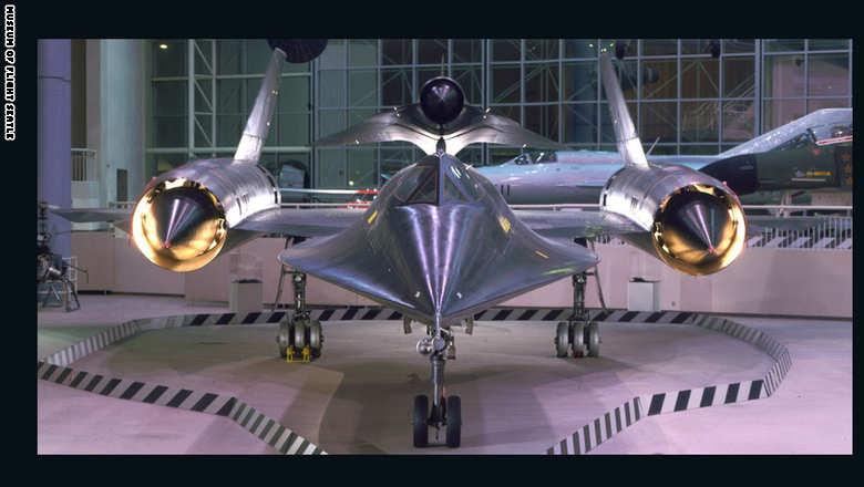 """طائرة التجسس """"لوكهيد أم 21 بلاكبيرد"""" والتي استخدمتها وكالة الاستخبارات المركزية """"CIA"""" في العام 1963"""