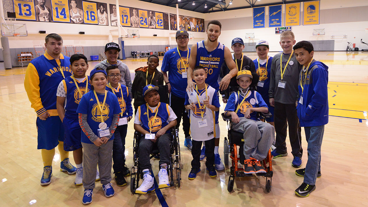 Stephen Curry Hosts 14 Youth From Make A Wish America Golden State Warriors