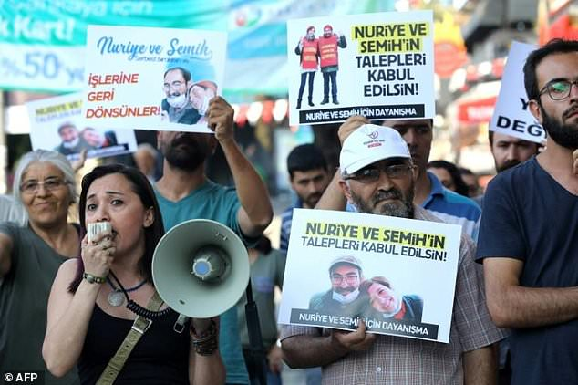 The case of hunger-striking Ankara academic Nuriye Gulmen and teacher Semih Ozakca has sparked demonstration in their support since their arrest on terror charges in May