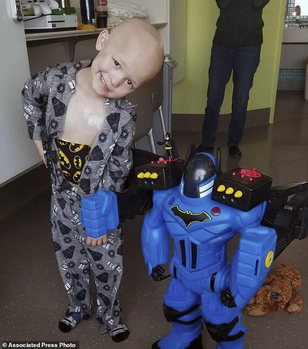 wire 3641870 1531519152 986 634x718 - Obit, memorial service of 5-year-old Iowa boy gets...