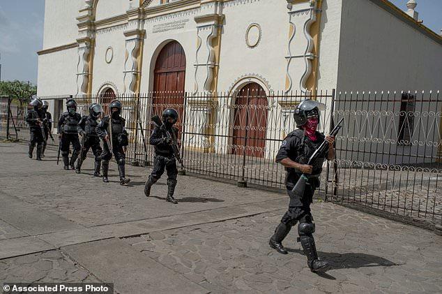 wire 3644562 1531541385 17 634x421 - Violence continues in Nicaragua as OAS leaders seek...