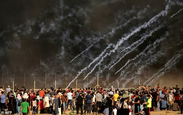 wire 3644594 1531541695 603 634x398 - Israel launches airstrikes on Gaza Strip after border...