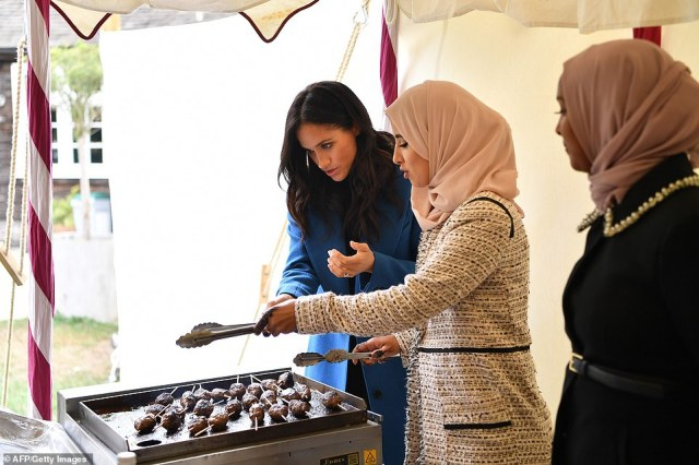 Together is a fundraising publication backed by Meghan which is aimed at supporting the local kitchen where the cooks meet