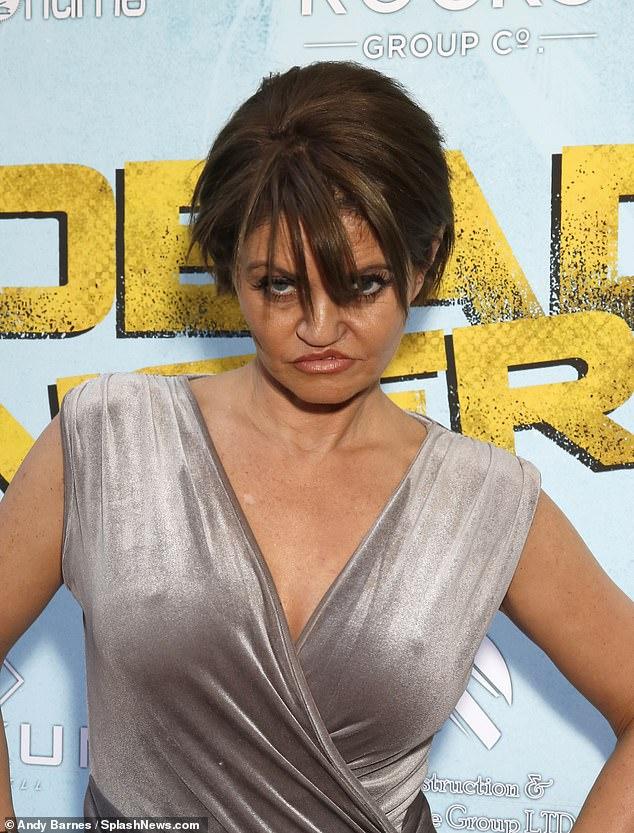 Histoire: En tant que jeune actrice à l'honneur, Danniella a sniffé une telle quantité de cocaïne qu'elle a endommagé son septum nasal en 2001, ce qui l'a amenée à subir une chirurgie réparatrice.