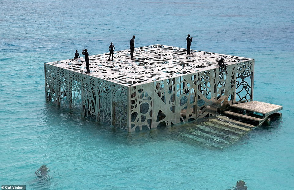 The world's first tidal gallery, which had opened at the Fairmont Maldives Sirru Fen Fushi resort in the Indian Ocean