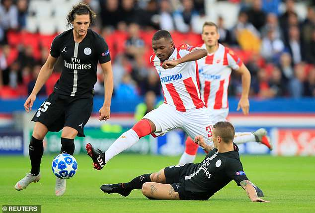 Verratti attempts to tackle Red Star's El Fardou Ben Nabouhane during the early stages