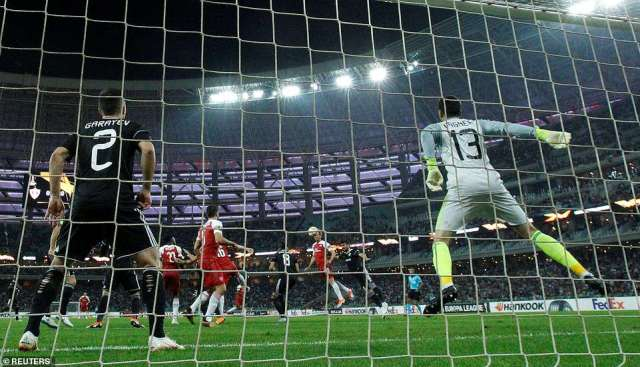 Sokratis Papastathopoulos gave Arsenal the lead in just the fourth minute after deflecting home Nacho Monreal's header