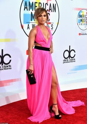 Red Carpet Photos and winners at the 2018 American Music Awards