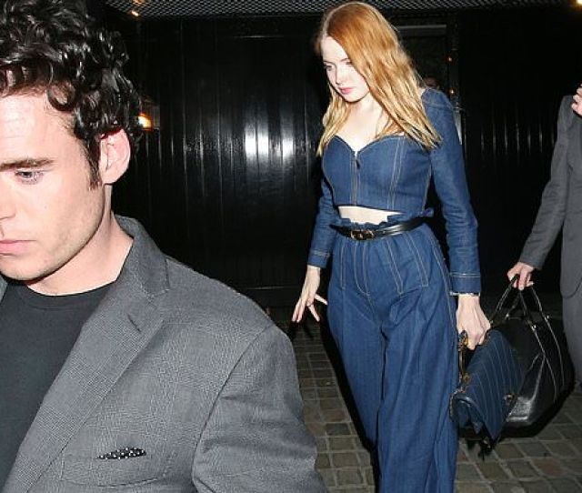 Bodyguard Star Richard Madden Enjoys Glitzy Night Out With Girlfriend Ellie Bamber Daily Mail Online