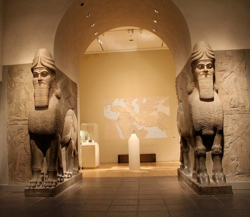One review of the early access tour of the Met said: 'From being able to clearly hear your guide and close up views of the exhibits, to being able to take photos of completely empty rooms - it was an amazing experience'