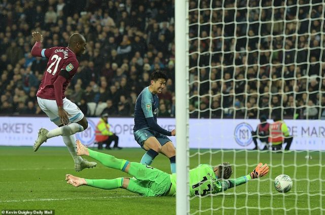 The 25-year-old rounded Adrian to finish easily and give the visitors a commanding lead with over half an hour left