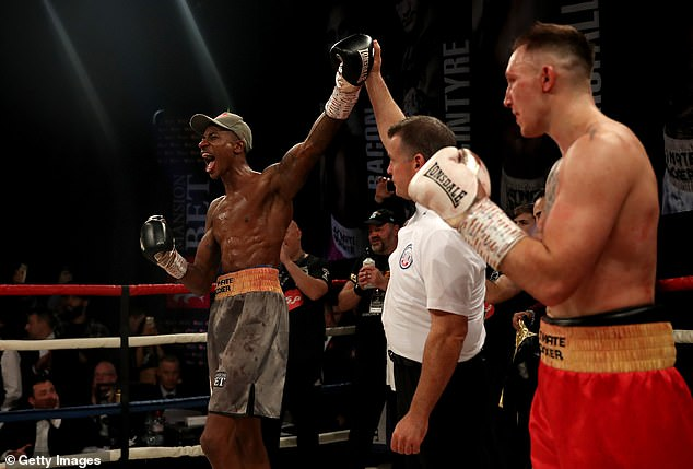 Although Spelman caught the big man with a few strokes, the fight was eventually lost on points