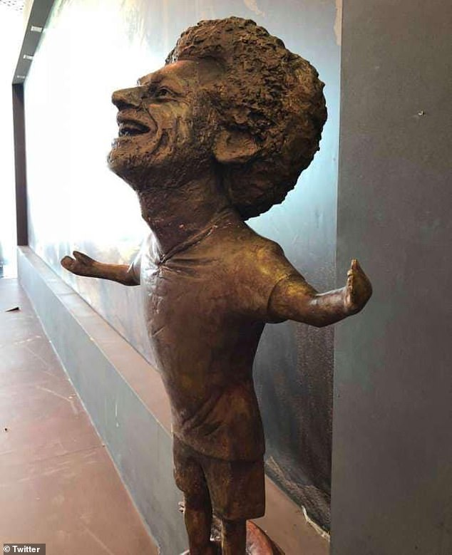 The odd-looking statue, which went on display Sharm El Sheikh on Sunday, has been ridiculed