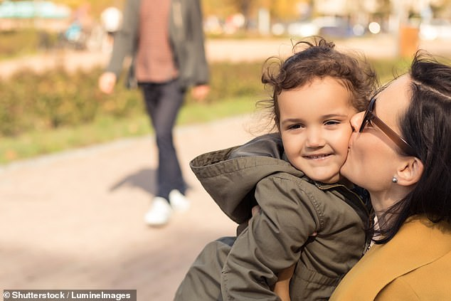 Children with loving mothers are healthier in later life, according to research (camp)