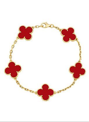 Adele¿s favourite item of jewellery at the moment seems to be a pretty Van Cleef & Arpels Alhambra bracelet