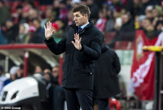 Steven Gerrard says Willie Collum is a good referee, even though the Rangers have taken legal action against officials