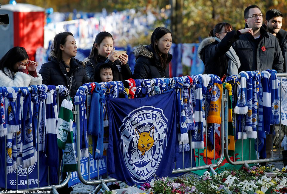 The fans gathered in mourning to finally say goodbye to the owner who had influenced the club so much