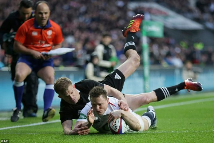 England's Chris Ashton will contest the first attempt of the international match against New Zealand on Saturday afternoon