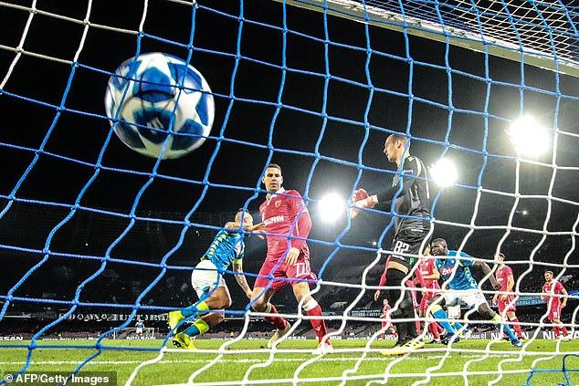Napoli's Slovak midfielder Marek Hamsik (Rear L) celebrates after opening the scoring