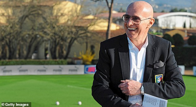 The former manager Arrigo Sacchi revolutionized football with AC Milan between 1987 and 1991