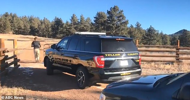 An FBI evidence response team arrives at the home of Patrick Frazee with a search warrant