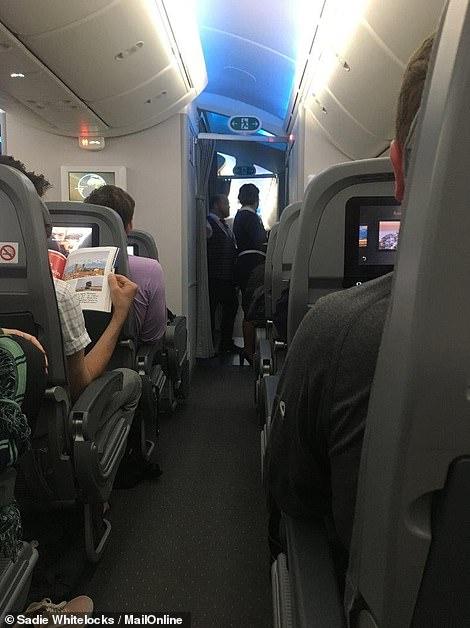 Inside Norwegian Airline Premium Cabin on Their Boeing 787 Dreamliner